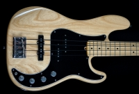Fender American Deluxe Precision Upgraded Natural